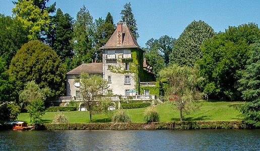 8 bedroom French chateau for sale, St Mathieu, Haute-Vienne, Limousin