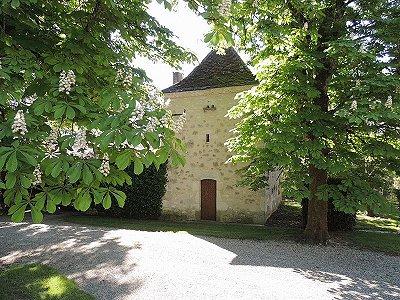 Image 1   6 bedroom French chateau for sale, Castillonnes, Lot-et-Garonne, Aquitaine 200170