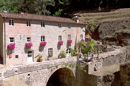 4 bedroom mill for sale, Lucca, Tuscany