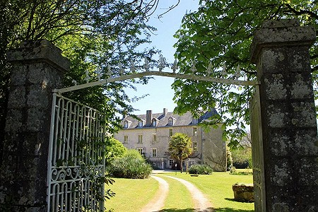 Image 1 | 8 bedroom French chateau for sale, Niort, Deux-Sevres, Poitou-Charentes 200223