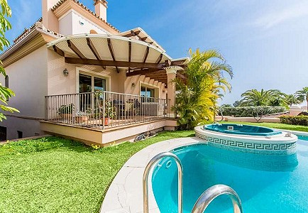 4 bedroom villa for sale, Las Chapas Playa, Marbella, Malaga Costa del Sol, Andalucia