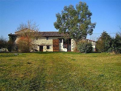 18 bedroom farmhouse for sale, Aubeterre Sur Dronne, Charente, Poitou-Charentes