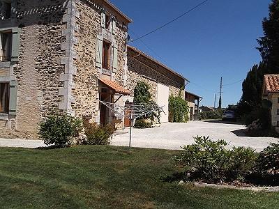 5 bedroom farmhouse for sale, Montemboeuf, Charente, Poitou-Charentes