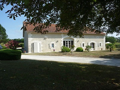 4 bedroom farmhouse for sale, Saint Severin, Charente, Poitou-Charentes