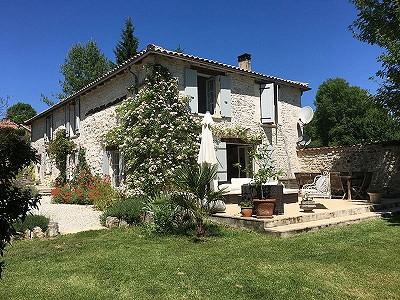 4 bedroom farmhouse for sale, La Rochebeaucourt Et Argentine, Dordogne, Aquitaine