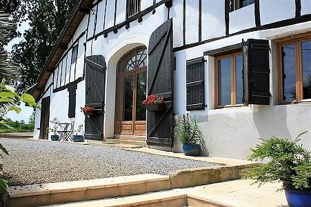 7 bedroom farmhouse for sale, Pouillon, Pyrenees-Atlantique, Aquitaine