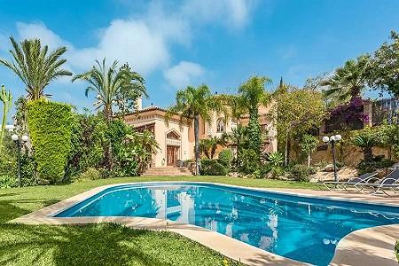 5 bedroom villa for sale, Hacienda Las Chapas, Marbella Este, Malaga Costa del Sol, Andalucia