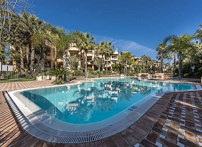 3 bedroom apartment for sale, San Pedro Playa, San Pedro De Alcantara, Malaga Costa del Sol, Andalucia