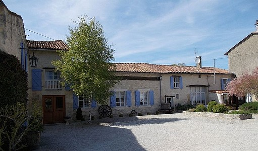 8 bedroom farmhouse for sale, Ruffec, Charente, Poitou-Charentes