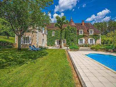 6 bedroom French chateau for sale, Milhac De Nontron, Dordogne, Aquitaine