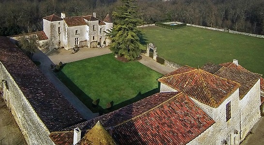 6 bedroom manor house for sale, Chadurie, Charente, Poitou-Charentes