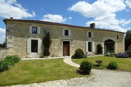 4 bedroom house for sale, Rioux, Charente-Maritime, Poitou-Charentes