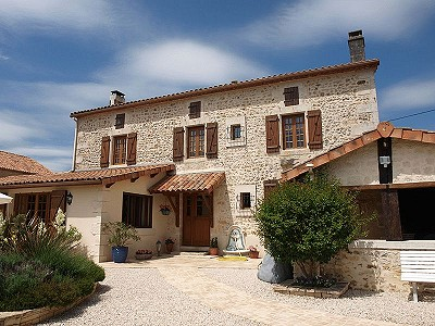4 bedroom farmhouse for sale, Chasseneuil Sur Bonnieure, Charente, Poitou-Charentes