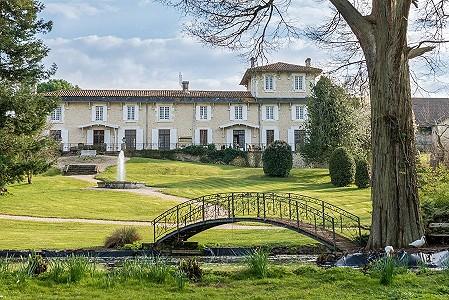 13 bedroom house for sale, Chalais, Charente, Poitou-Charentes
