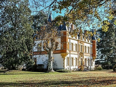 Image 1 | Beautiful 12 Bedroom Chateau for Sale, close to the Pyrenees in South West France 201247
