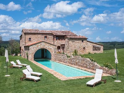 8 bedroom villa for sale, Montalcino, Montepulciano, Siena, Tuscany
