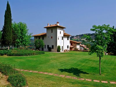 Beautiful estate for sale close to Florence with 15 bedrooms