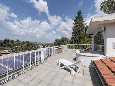 Luxury Apartment overlooking Florence for sale with 5 Bedrooms and Swimming Pool