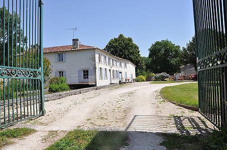 8 bedroom mill for sale, Saintes, Charente-Maritime, Poitou-Charentes