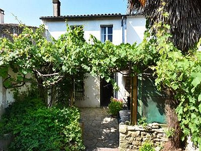 6 bedroom house for sale, La Couarde Sur Mer, Charente-Maritime, Poitou-Charentes