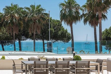 4 bedroom apartment for sale, Croisette, Cannes, Cote d'Azur French Riviera