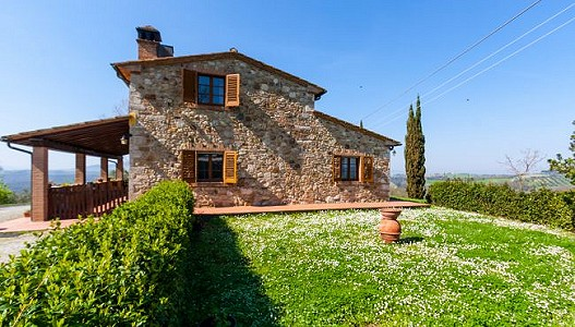 2 bedroom farmhouse for sale, Volterra, Pisa, Tuscany