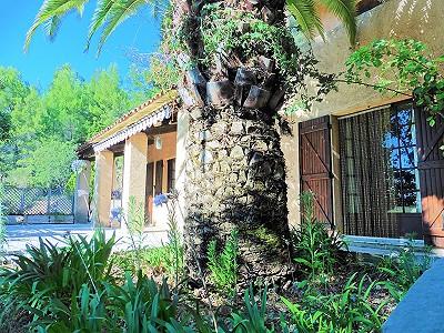 5 bedroom villa for sale, Seillans, Var, Cote d'Azur French Riviera
