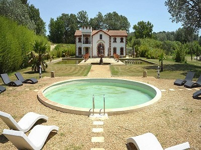 9 bedroom villa for sale, Saint Gilles, Gard, Languedoc-Roussillon