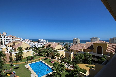 3 bedroom penthouse for sale, Puerto Alto, Estepona, Malaga Costa del Sol, Andalucia