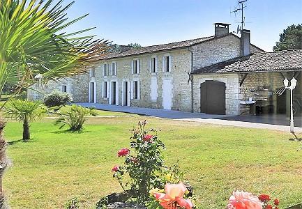 7 bedroom farmhouse for sale, Saujon, Charente-Maritime, Poitou-Charentes