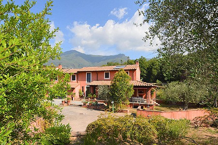 4 bedroom farmhouse for sale, Camaiore, Lucca, Tuscany