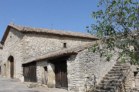 3 bedroom farmhouse for sale, Uzes, Gard, Languedoc-Roussillon