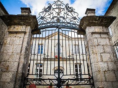 6 bedroom French chateau for sale, Castillonnes, Lot-et-Garonne, Aquitaine