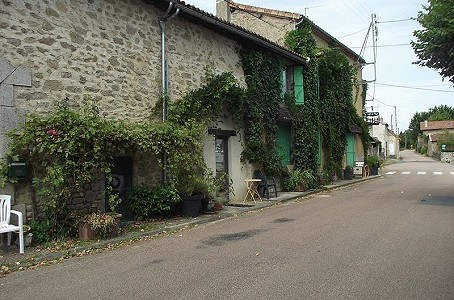 3 bedroom restaurant bar for sale, Nontron, Dordogne, Aquitaine