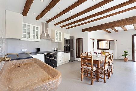 Image 7 | 5 bedroom villa for sale with 1,250m2 of land, Inca, Central Mallorca, Mallorca 203071