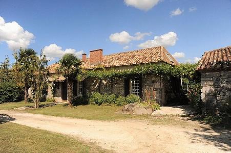 7 bedroom farmhouse for sale, Montaigu De Quercy, Tarn-et-Garonne, Midi-Pyrenees