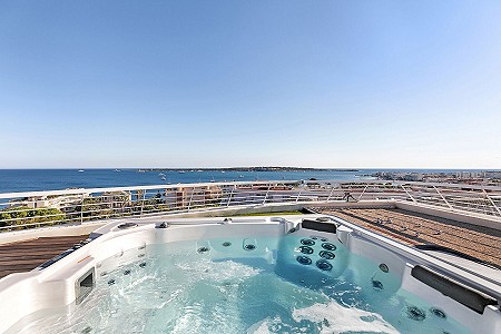 3 bedroom penthouse for sale, Basse Californie, Cannes, Cote d'Azur French Riviera