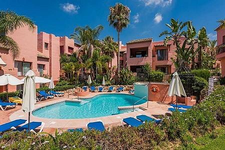 3 bedroom penthouse for sale, Elviria Playa, Marbella Este, Malaga Costa del Sol, Andalucia