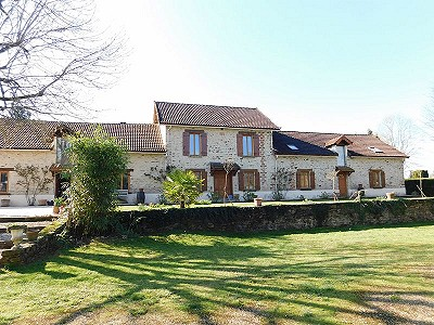 5 bedroom farmhouse for sale, Saint Yrieix La Perche, Haute-Vienne, Limousin