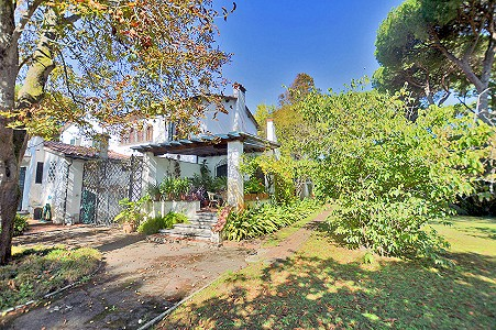 6 bedroom villa for sale, Pietrasanta, Lucca, Tuscany