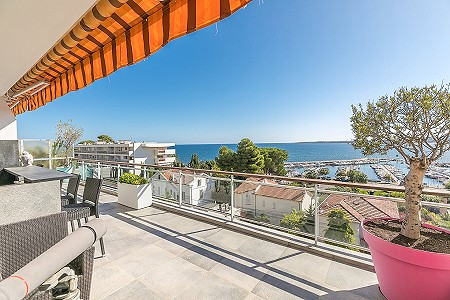 2 bedroom penthouse for sale, Cannes, Cote d'Azur French Riviera