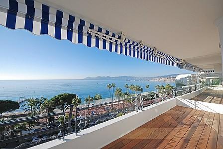 2 bedroom apartment for sale, Croisette, Cannes, Cote d'Azur French Riviera