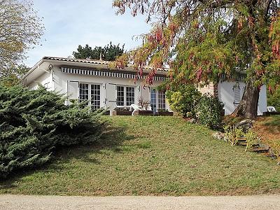 4 bedroom house for sale, Etaules, Charente-Maritime, Poitou-Charentes
