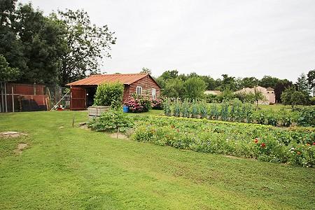 3 bedroom bungalow for sale, Saintes, Charente-Maritime, Poitou-Charentes