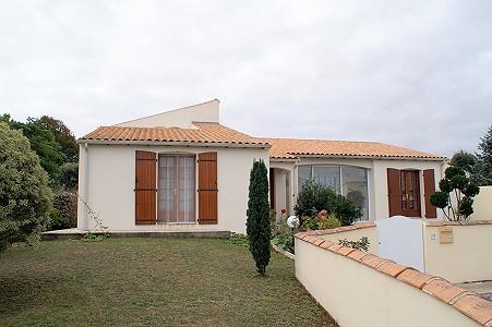 4 bedroom house for sale, Meschers Sur Gironde, Charente-Maritime, Poitou-Charentes