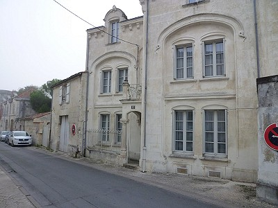 5 bedroom house for sale, Saintes, Charente-Maritime, Poitou-Charentes