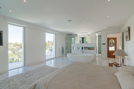 Image 8   6 bedroom villa for sale with 0.38 hectares of land, Cap d'Antibes, Antibes Juan les Pins, French Riviera 204417