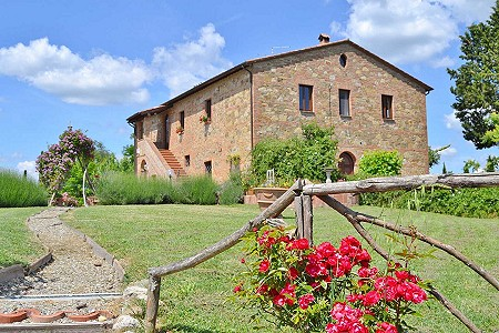 Image 2 | 8 bedroom farmhouse for sale with 1 hectares of land, Citta della Pieve, Perugia, Umbria 204446