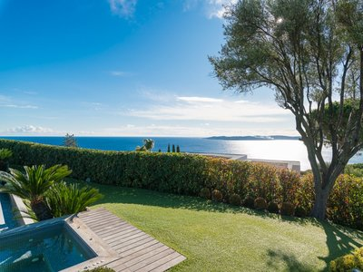 Image 3   5 bedroom villa for sale with 0.29 hectares of land, Sainte Maxime, French Riviera 204994