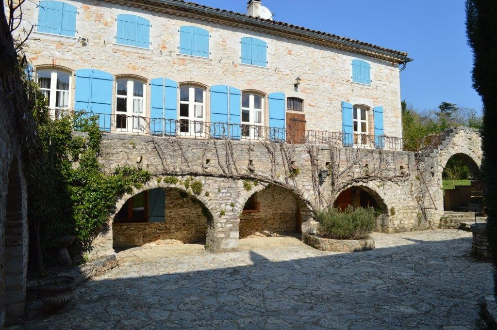 Apartments in Puycelci - airbnb.com